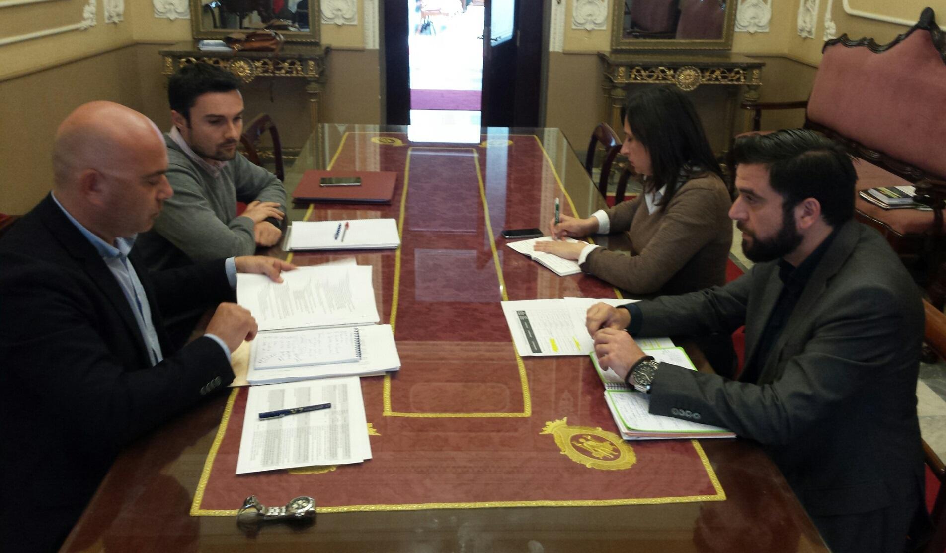 Reunión presupuesto 270416