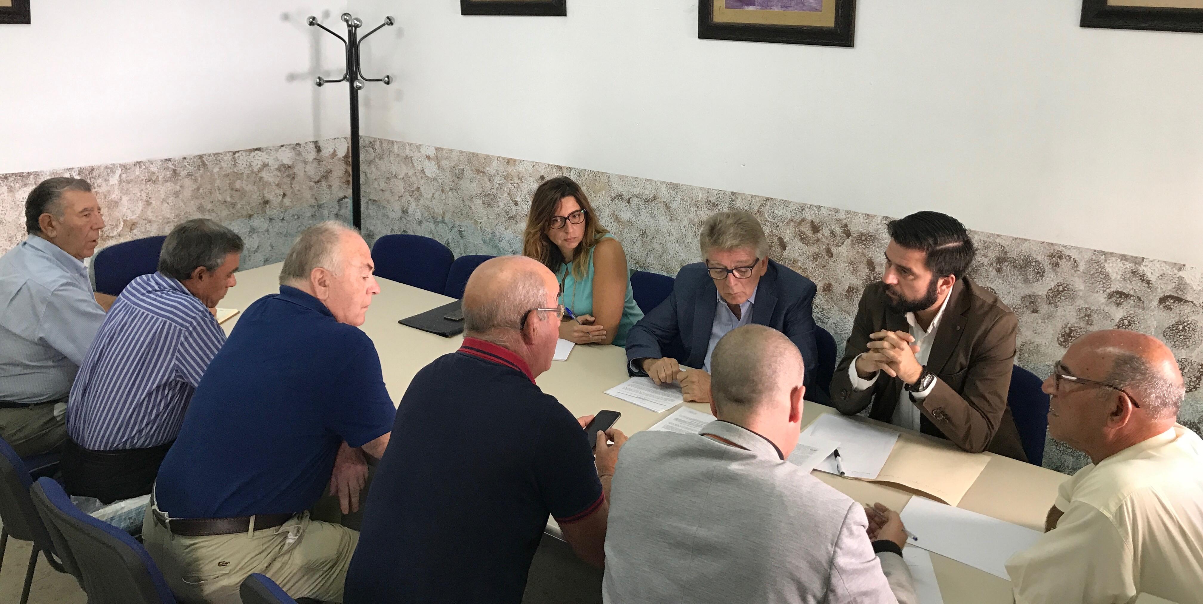 REUNION PSOE COLECTIVO JUAN DE LA COSA