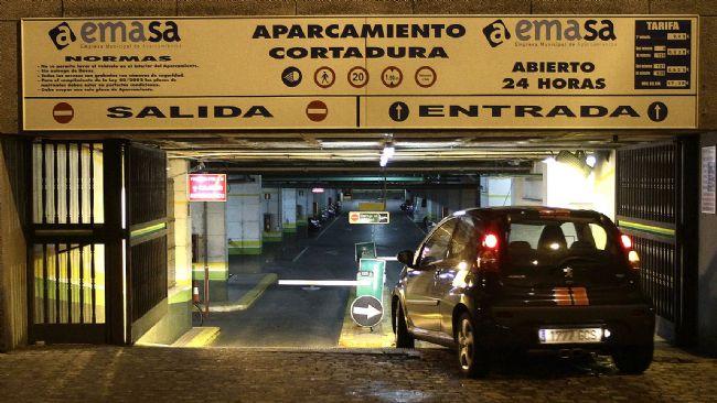 emasa-busca-liquidez-con-la-venta-de-plazas-de-abonados-a-los-parking