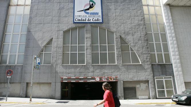 lateral-Complejo-Deportivo-Ciudad-Cadiz_1278782179_88556501_667x375
