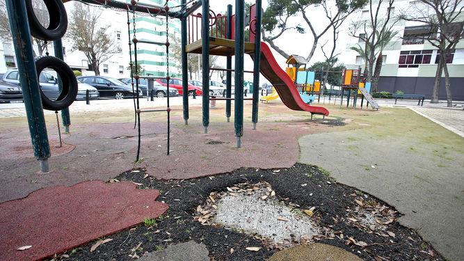 boquetes-presenta-caucho-parque-infantil_1321978747_94064489_667x375