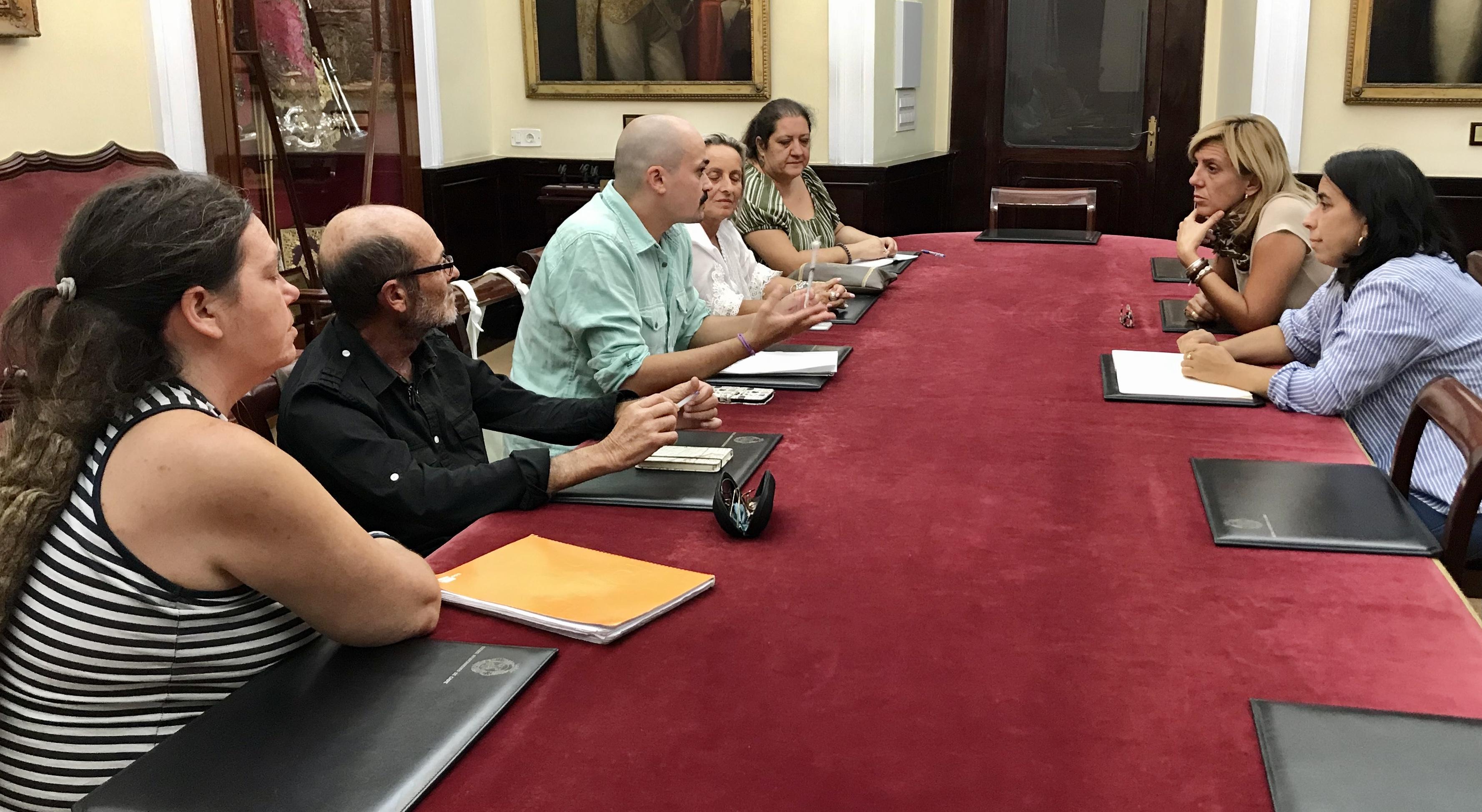 ENCUENTRO PSOE ASOCIACIONES BIENESTAR ANIMAL 161019